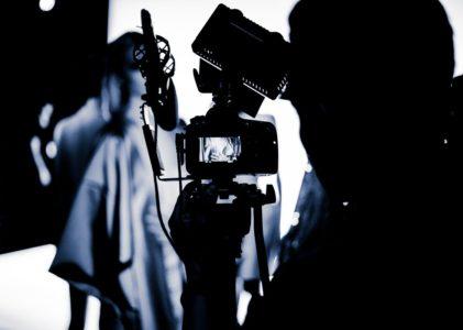 Ollovivo levará adiante a adaptación á televisión da obra 'Crónicas do paraíso', de Sarabela Teatro